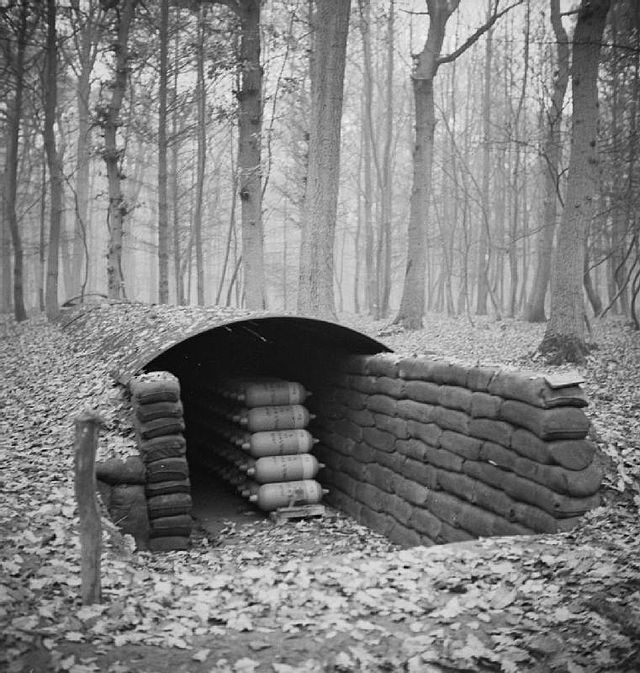 Storage_for_Livens_gas_drums_WWII_IWM_H_25570.jpg