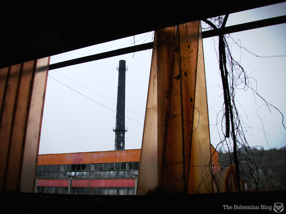Abandoned-Soviet-Glass-Factory-Bulgaria-by-D-Richter-4_zps7fba258d.jpg