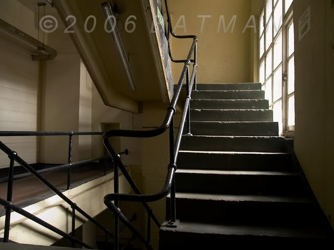 21_Old_staircase.jpg