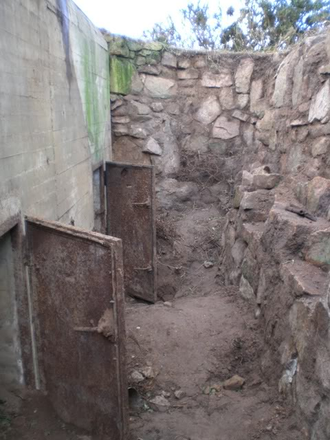 ExcavationofAmmuntionBunker10.jpg
