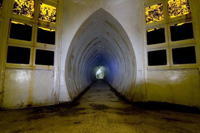 yellow_tunnel_2_640.jpg