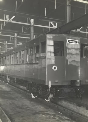 OverheadRailwayCarriage1945.jpg