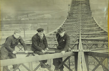 transporter-bridge-archive-242798789.jpg