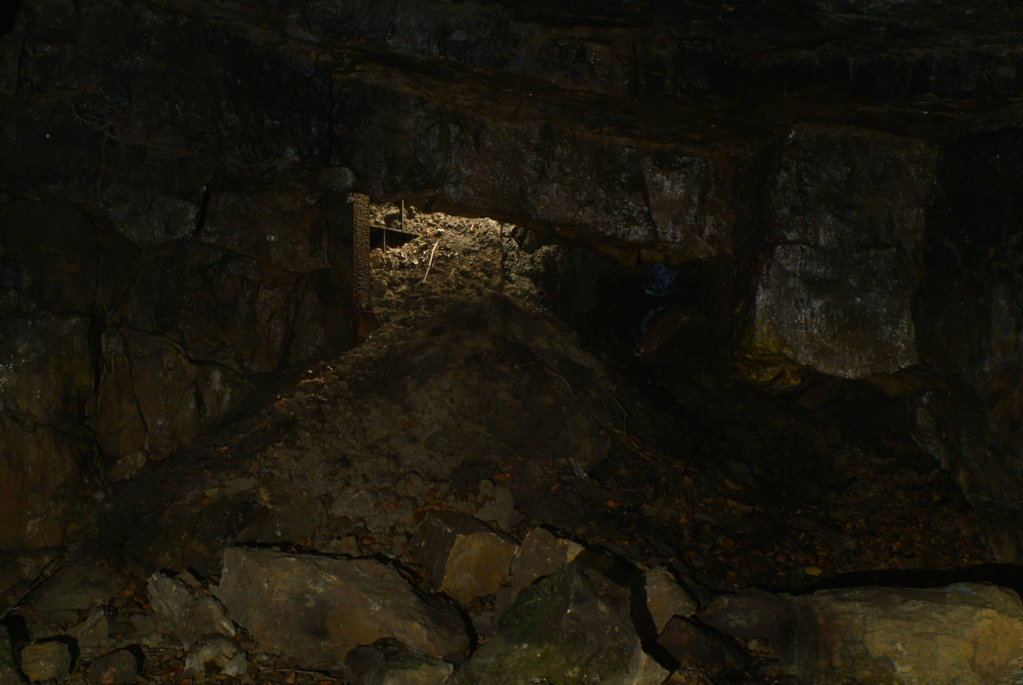Information - - Entrance to Cults limestone mine  | Mines